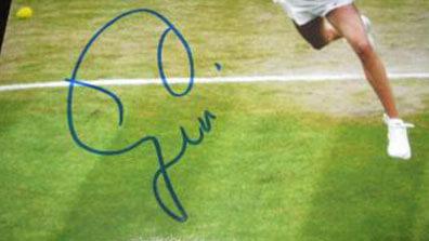 Eugenie Bouchard Signature